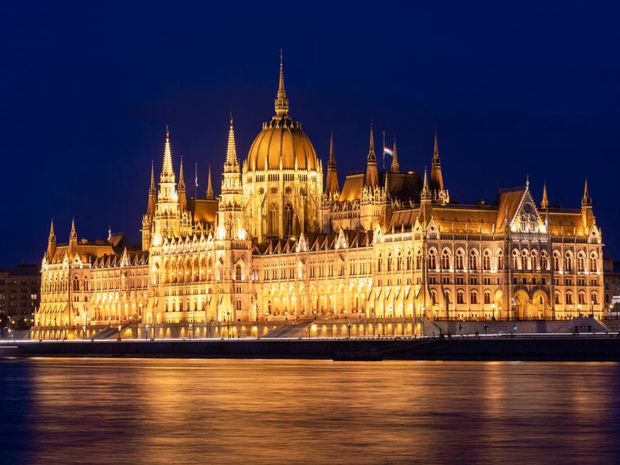 Parlement de Budapest de nuit