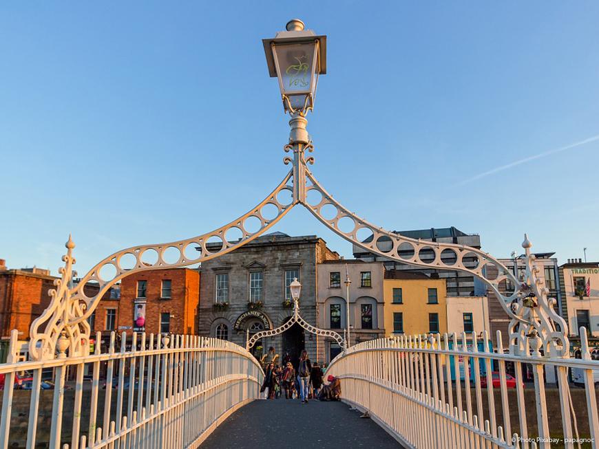 Pont Ha'Penny Bridge à Dublin