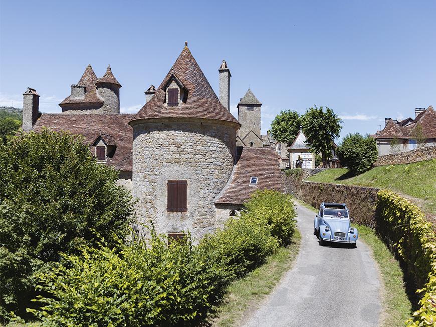 Village d'Autoire en 2CV