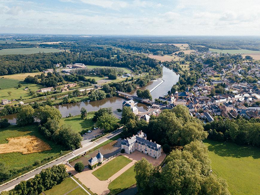 Vue aérienne du château de Malicorne-sur-Sarthe